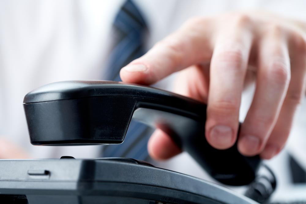 在籍確認の電話連絡