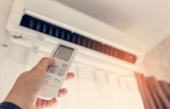 冷房と暖房は必要なときにだけつける!