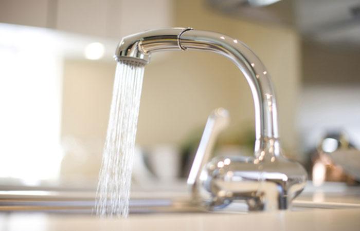 節水シャワーを取り付ける