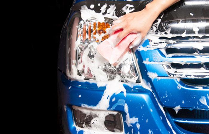 洗車は水をバケツに貯めておこなうようにする