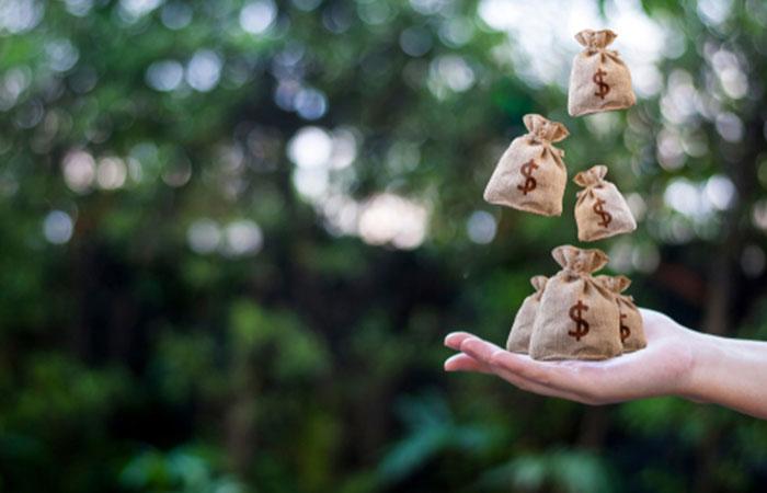希望額に対して収入が低い